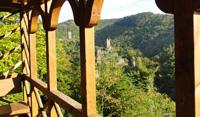Blick von Rulandhütte auf die Niederburg Manderscheid