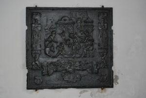 Takenplatte in der Filialkirche St. Katharina