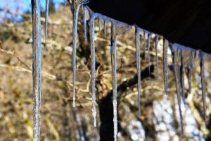 Eiszapfen an der Häselhütte